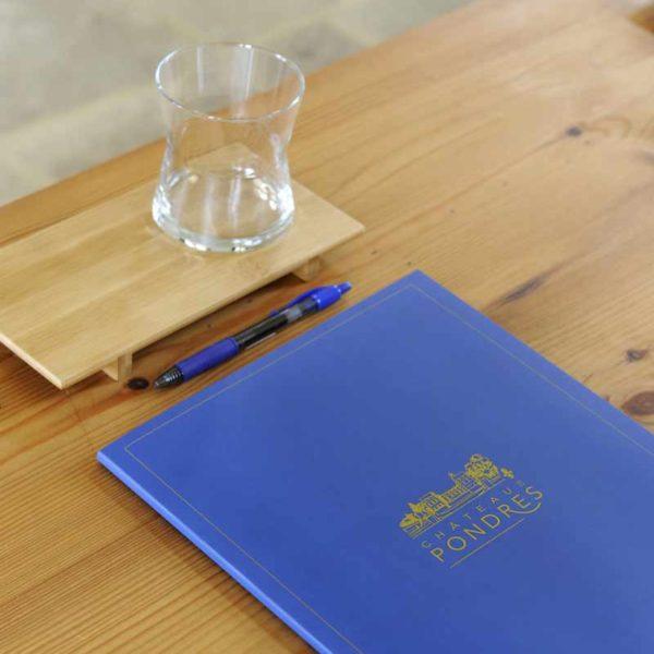 chateau_de_pondres_hotel_restaurant_seminaire_mariage-nimes-montpellier-details_pochette_a_rabat_2_sommieres