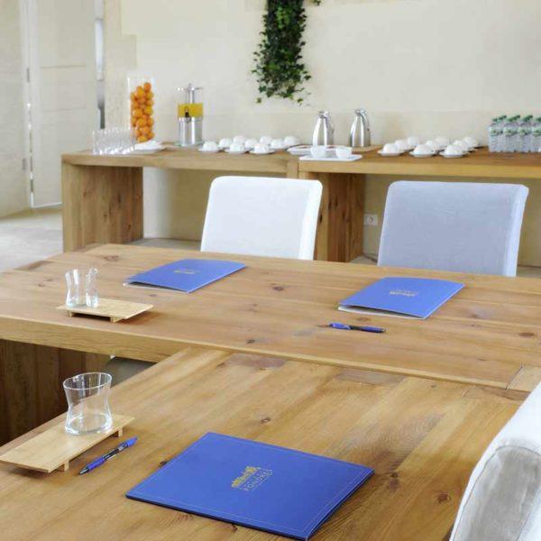 chateau_de_pondres_chambre_dhotes_hotel_restaurant_seminaire_nimes-montpellierdetails_pochette_a_rabat_sommieres
