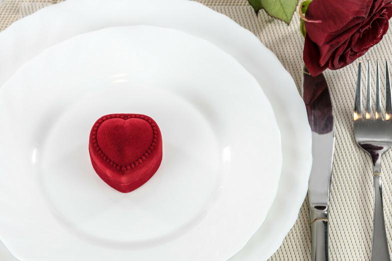chateau-hotel-restaurant-lacanopee-chateaudepondres-gard-herault-villevieille-occitanie-evenement-anniversaire-mariage-seminaire- romantique - saint valentin
